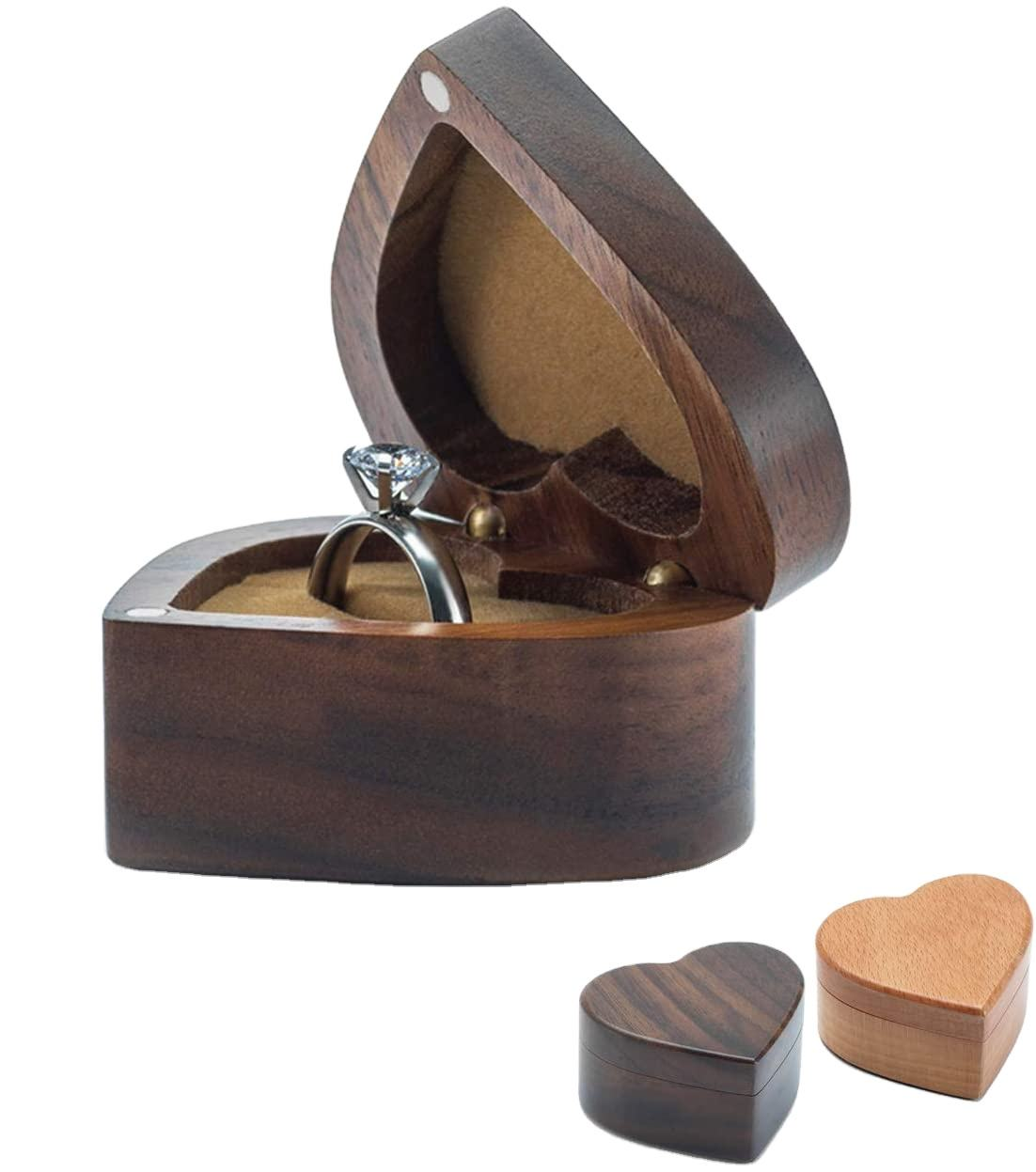 Shaped Walnut Wood Ring Box Velvet Soft Interior Holder Jewelry Chest Organizer Earrings Coin Jewelry Wooden Presentation Box Ca