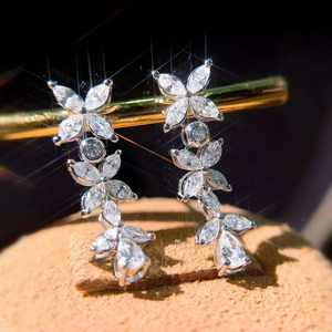 Wholesale Bridal exaggerated drop earrings luxury lucky four leaf shaped natural diamond 18k solid gold wedding earrings