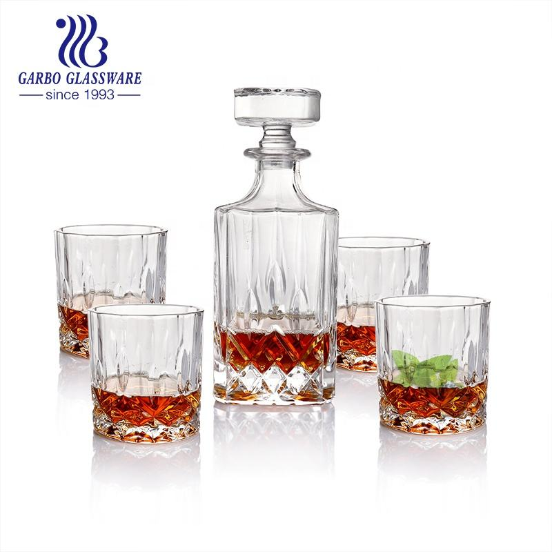 1 Litre Whiskey Glass Crystal Bottle For Stopper And Liquor Bottle Whisky 4 Glass Decanters with Lid