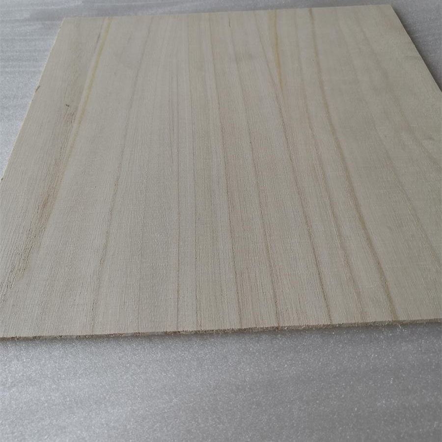 Hardwood Lumber And Sawn Timber factory price buy paulownia Eco-friendly Poplar Sawn Timber Wood