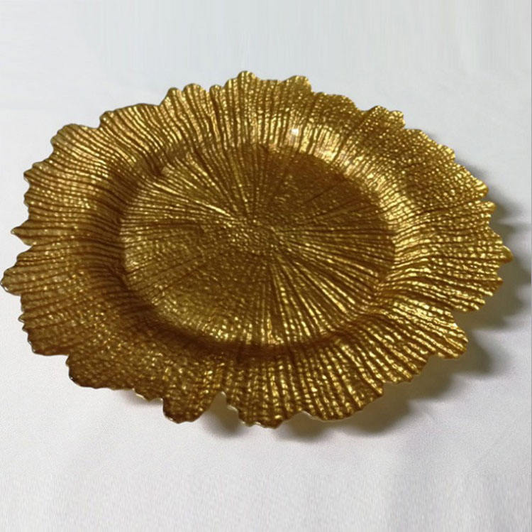 Cheap wholesale fancy reef gold colored glass wedding charger plates for restaurant