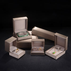 Custom Luxury PU Leather Jewelry Box Sets Gift boxes Ring Pendant Packaging