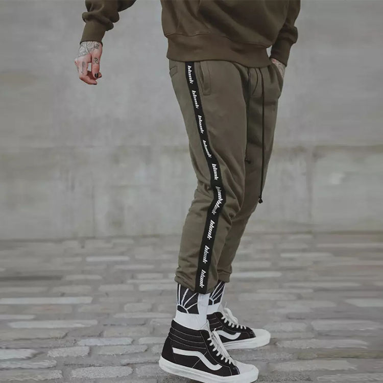 Wholesale Custom jogger Men Outdoor side stripe Sweat Pants With Ribbed Trim
