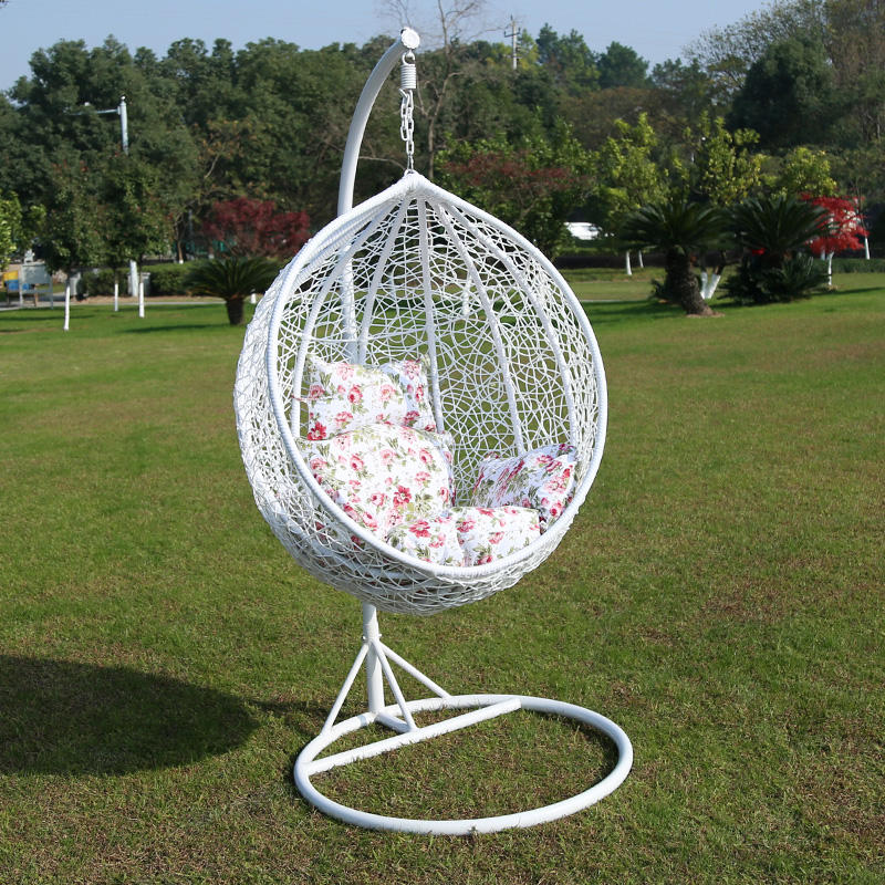 Wholesale outdoor metal stand rattan wicker hanging egg swing chair