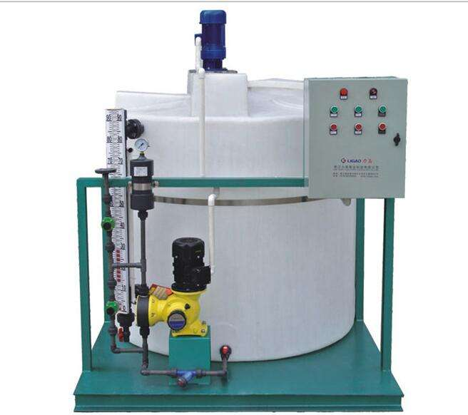 Water treatment PE plastic Chemical dosing device with mixer and pump Made in China