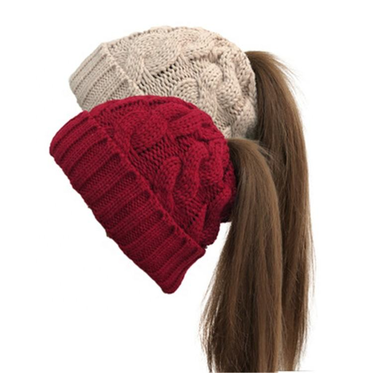 Fashion Custom High Quality Woman Warm Slouchy Strech Cable Knit Ponytail Beanie Hat