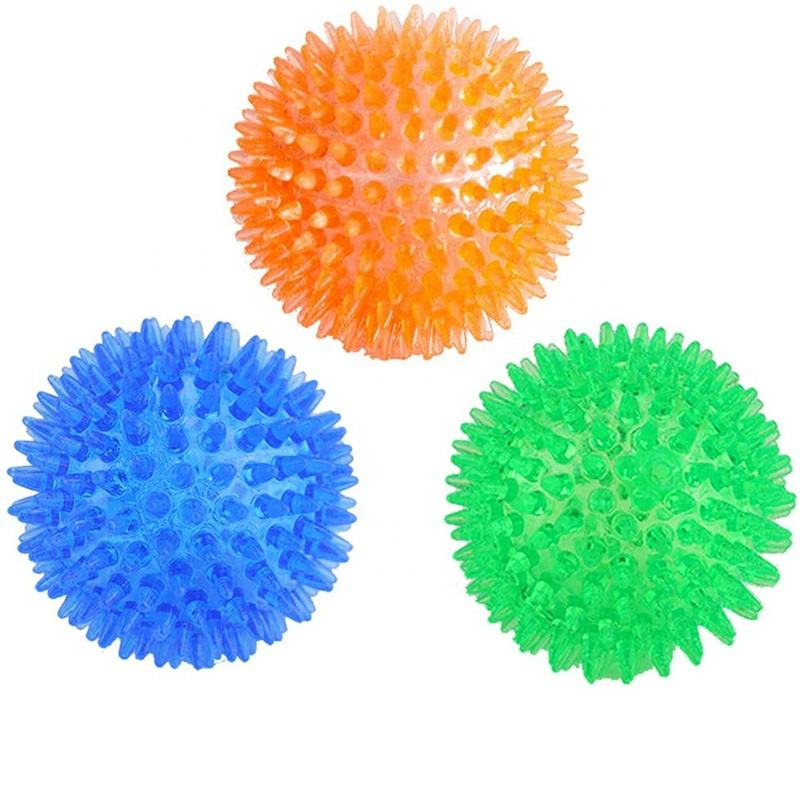 TPR durable Interactive floating soft squeaky teeth cleaning dog rubber spiky ball chew toy