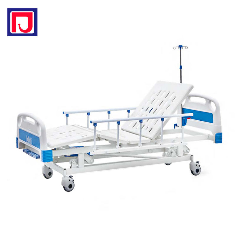 Comfortable 3 function manual bed with 4 removable castors