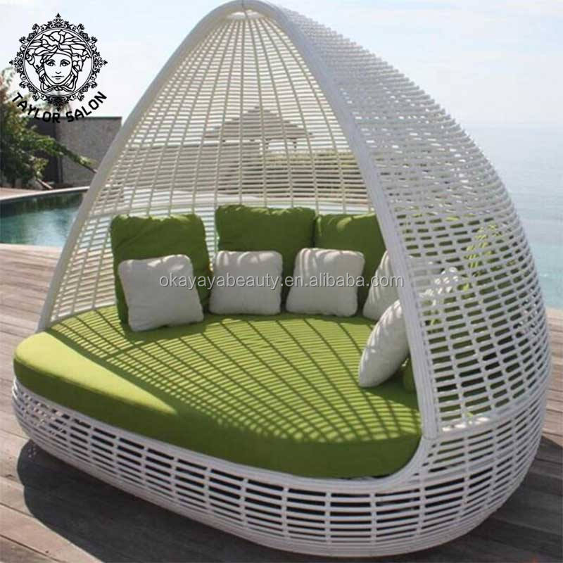 Outdoor furniture rattan / wicker chairs home daybed patio sunbed sun lounger