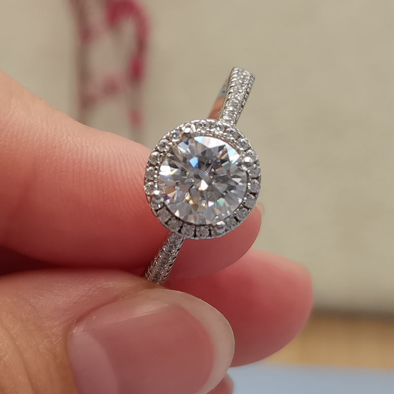 Beautiful wedding rings dropshipping 0.5ct 1carat sterling silver engagement diamond moissanite ring