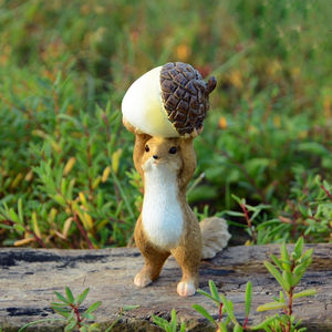 Custom wholesale Cute Accessory Toy Gift Garden Figurines Home Decoration Animal Squirrel Terrarium Miniature figurines
