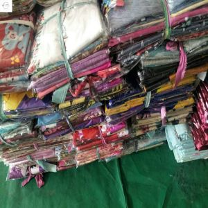 China yiwu market good design cheap price 100%polyester print bedsheet stock