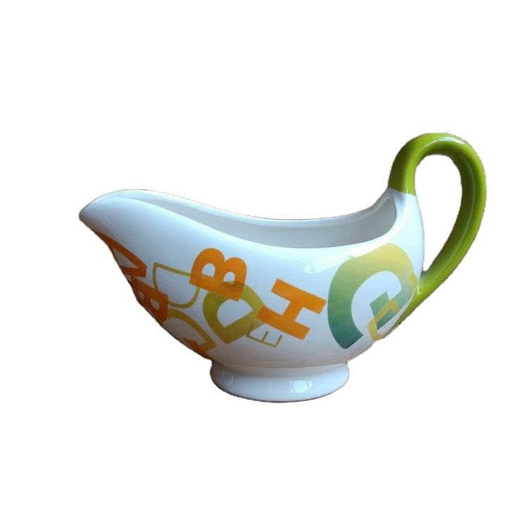 Wholesale manufacture Decal Home Restaurant Hotel Table Use Ceramic Stoneware Gravy Boat with color handle