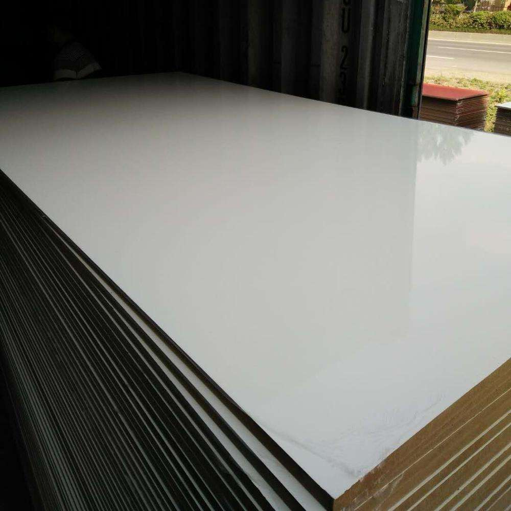 high gloss 15mm 4x8 sizes plain or engraved melamine mdf board sheet price / for mdf door /wall panel / furniture