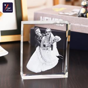 Office Desktop Decoration  Customized picture 2D Laser Engraved Crystal Cube