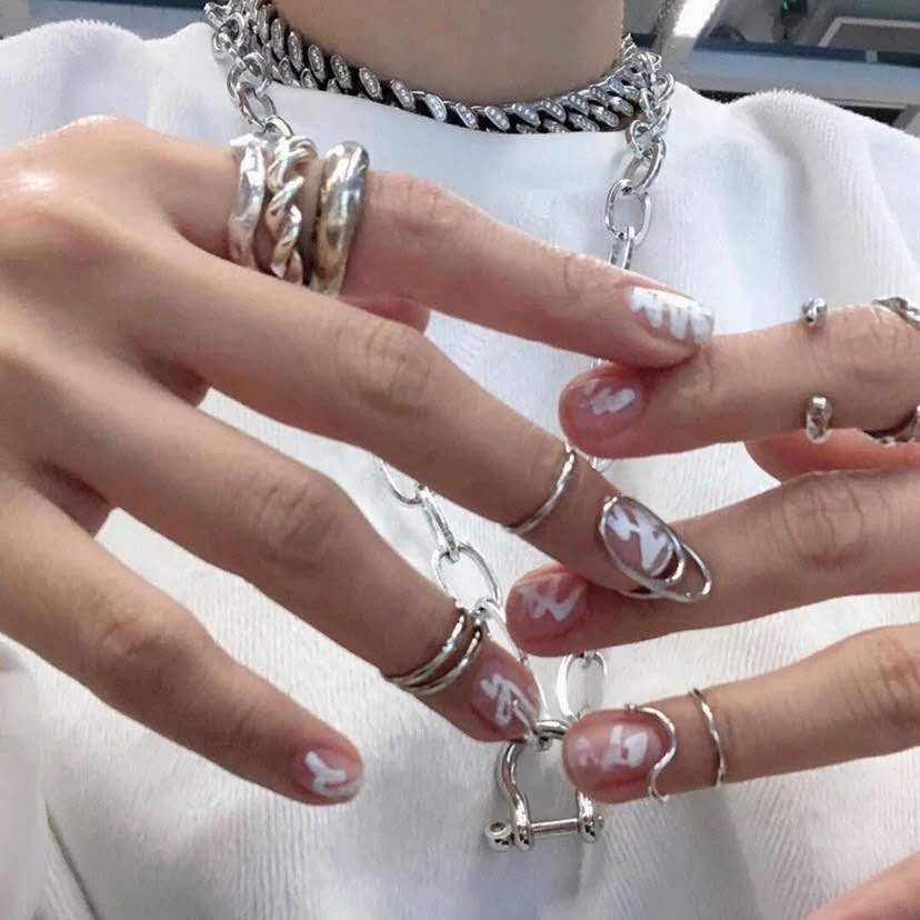Hot selling trendy nail rings finger Crystal Glitter DIY Nail Tips