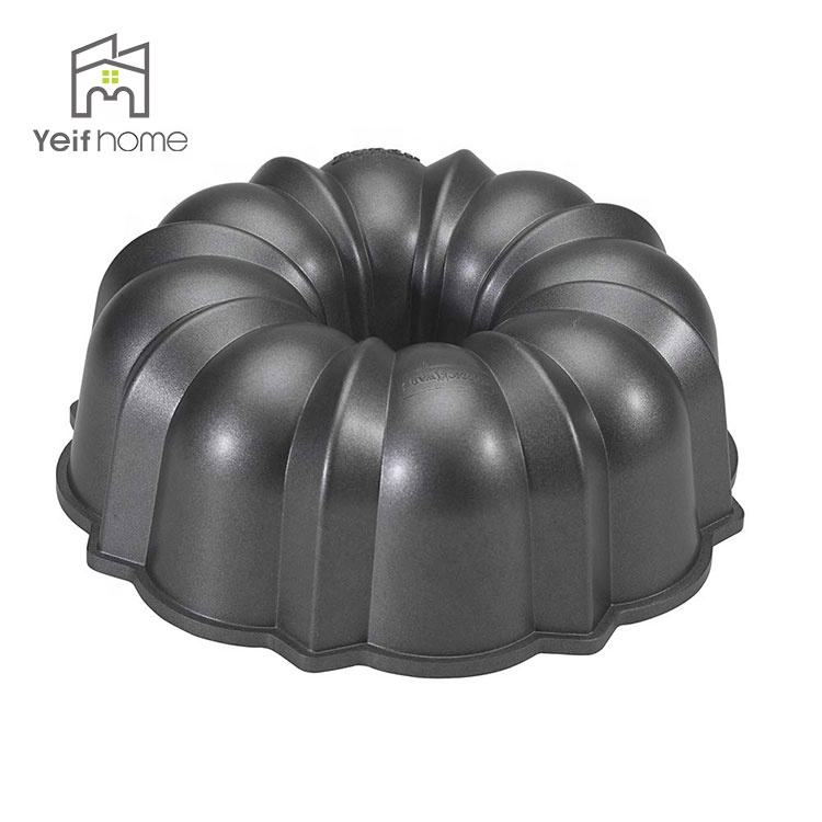 Baking Moulds 12 Cup Pampered Chef Stoneware Bundt Cake Pan
