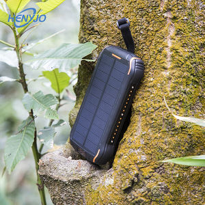 Ce Fcc Rohs Ip66 Solar Power Bnak Waterproof 30000Mah Mi Wireless Charger Solar Power Bank 3 Usb