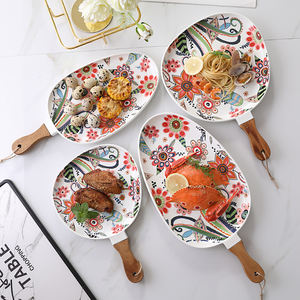 High Temperature Matte Glaze In Painted Wood Handle Hand Oval Ceramic Plate