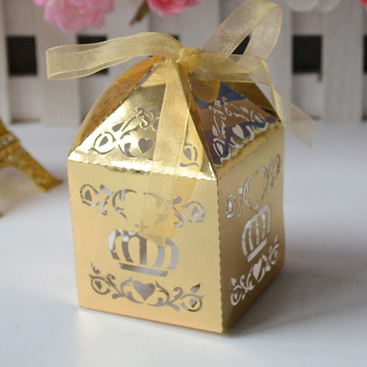 Laser cut metallic gold love heart indian wedding favor sweet boxes for gifting