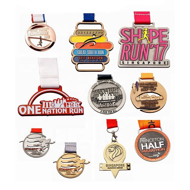 <span class=keywords><strong>Offre</strong></span> Spéciale Coloré Adapté Aux Besoins Du Client de Football de Sport Marathon Médailles En Métal Personnalisé <span class=keywords><strong>Médaille</strong></span>