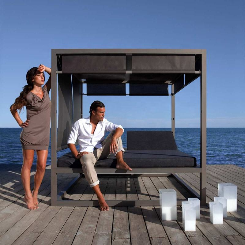 Simple style daybed outdoor furniture aluminium lounge sunbed with cushion and canopy