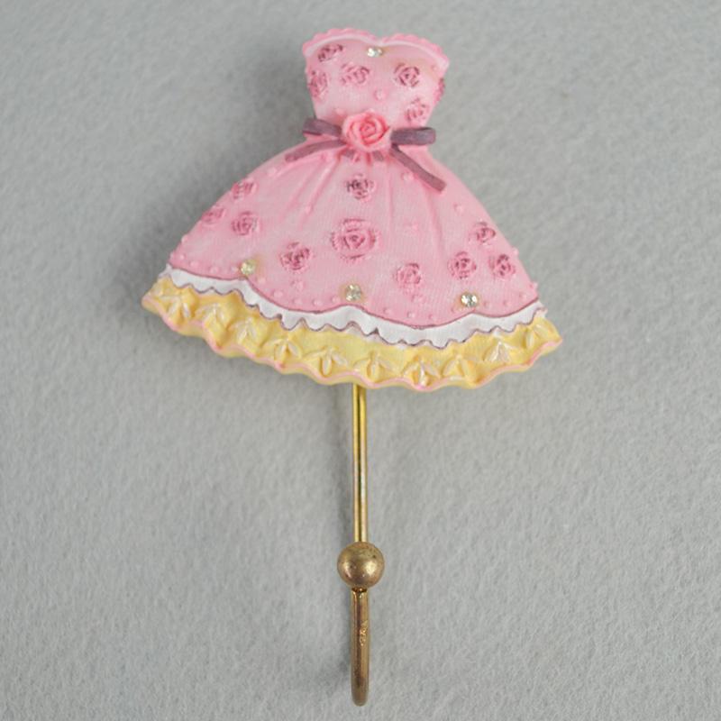 Sıcak Satış Kişiselleştirilmiş El Yapımı Polyresin <span class=keywords><strong>Prenses</strong></span> elbise Reçine Kanca çocuk odası dekor için