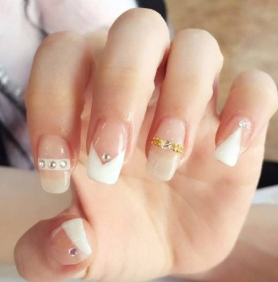 French Gold chain full cover press on diamond design false Colorful Finger Nails Stick 24 pcs set tips