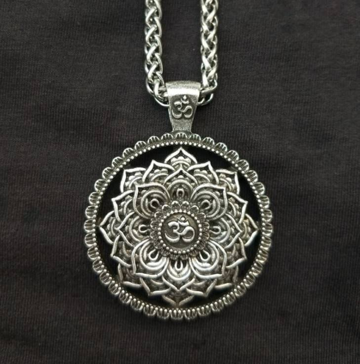 HHG003 Trade assurance Indian Mythology silver necklace Flower Shape amulet Yoga OM Necklace religious jewelry wholesale