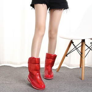 8 Women snow boot Low-key and textured red color ready to ship retail from the manufacturer market popular style