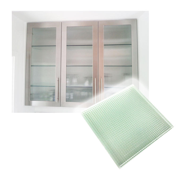 Low Iron Extra Clear Tempered Cabinet Glass high-end luxury stores and exhibition centre showcase glass