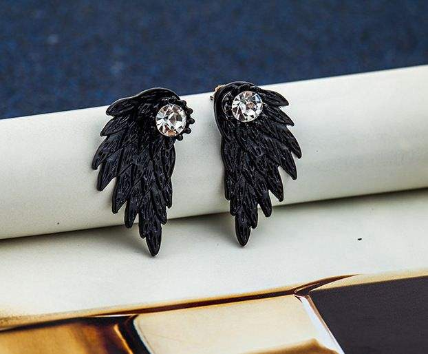 Groothandel Koreaanse Retro Black Metal Feather Angel Wing Shape Rhinestone Ear Stud Oorbellen Voor Vrouwen 2020