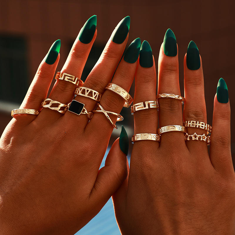 Vintage 13Pcs/Set Gold Plated Ring Set Bohemia Curb Cuban Rings Creative Hammered Irregular Gold Oil Polished Surface Ring Set