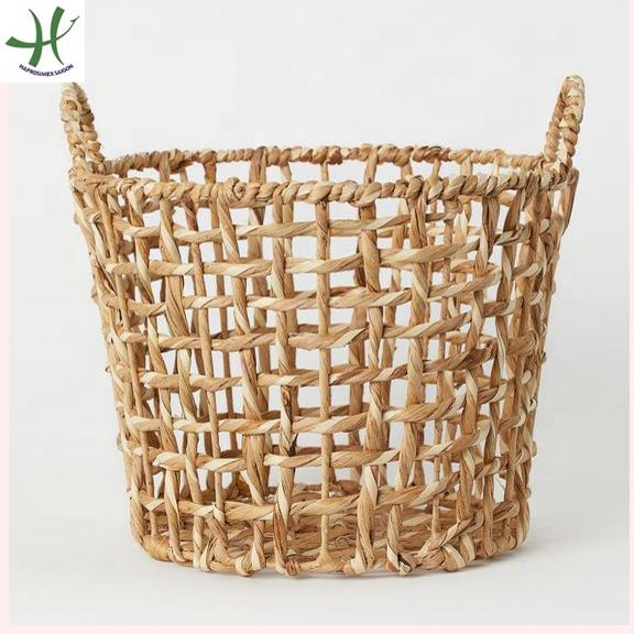 Round natural woven wicker water hyacinth storage basket with handle and iron frame