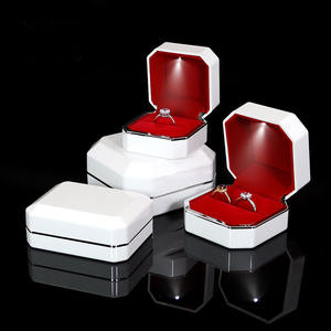 Jewelry packaging LED lighting ring box white with lights