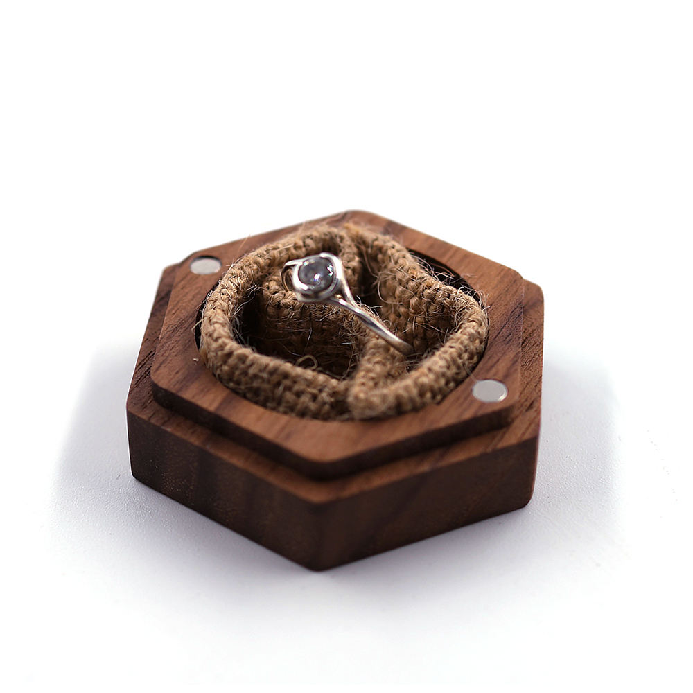 New Arrival Luxury Custom Logo Walnut Wooden Wedding Jewelry Rings Box