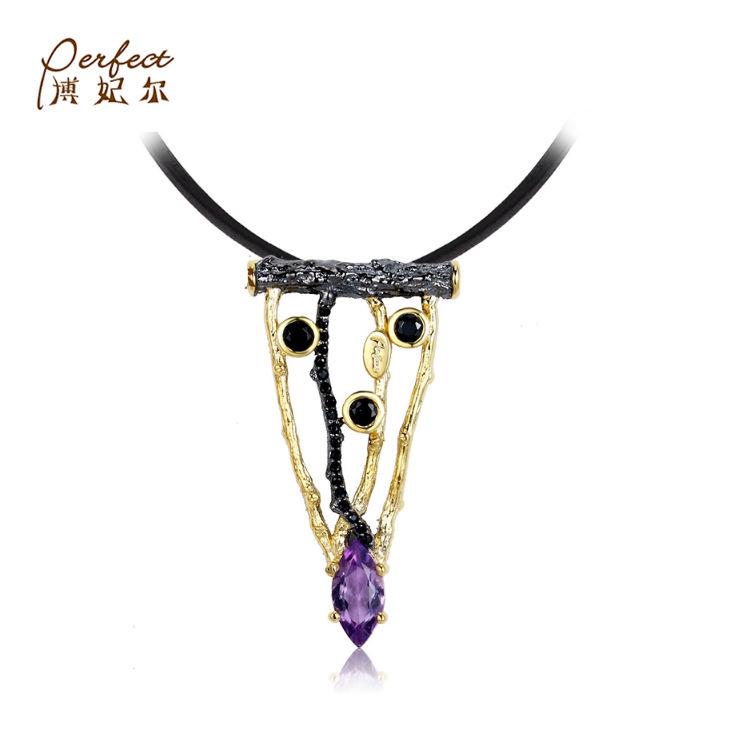 Venta al por mayor diseño rama de árbol triángulo bien colgante de joyería de plata con amatista
