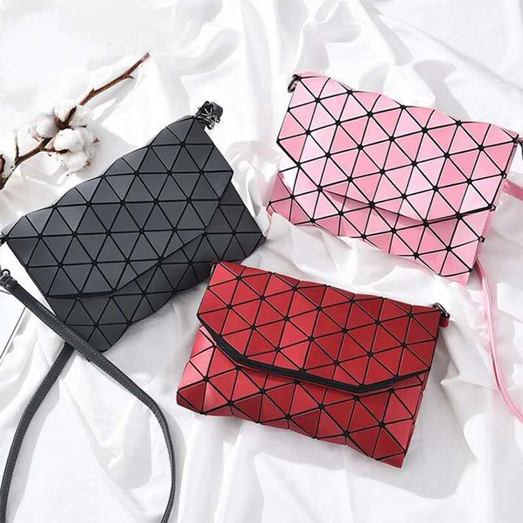 Ladies Bag Making Material Luminous Leather Clutch Bag Materials