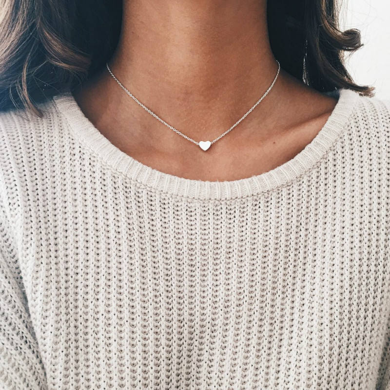 Dainty Tiny Heart Choker Necklace Fashion 18K Gold Plated Love Heart Pendant Necklace Boho Chocker Necklace for Women Jewelry