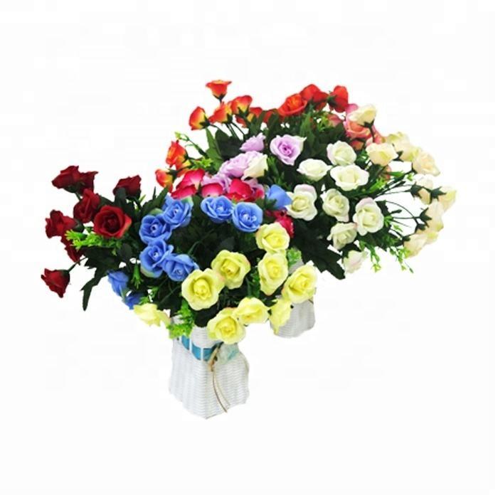 美しいさまざまな色人工シルクローズの花