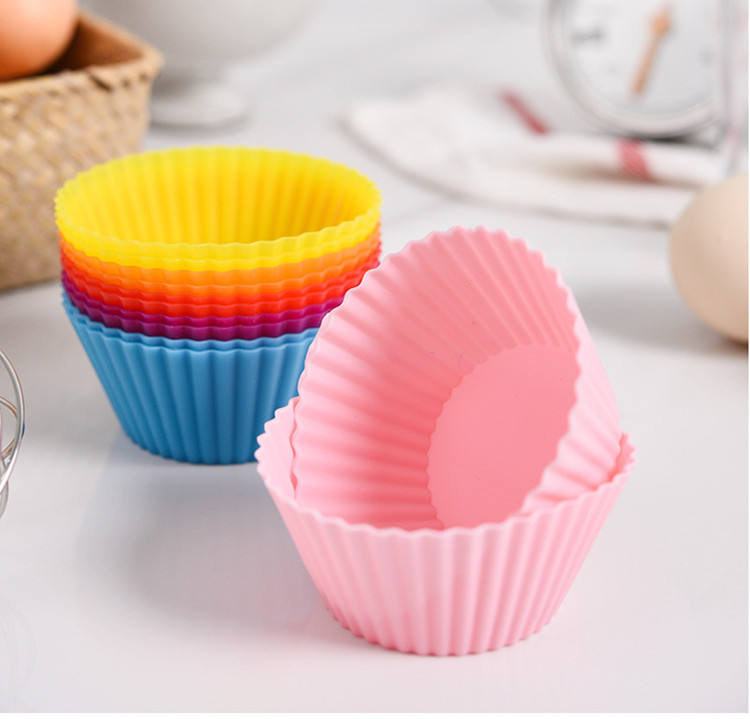 EAST reusable silicone baking cups muffin and cupcake, silicone baking cups set, silicone cupcake muffin baking cups pack of 12
