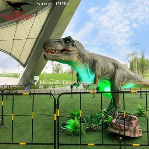 Hars Chinese Draak En Dinosaurus Standbeelden Van Dragon Tuin Thema Park In China