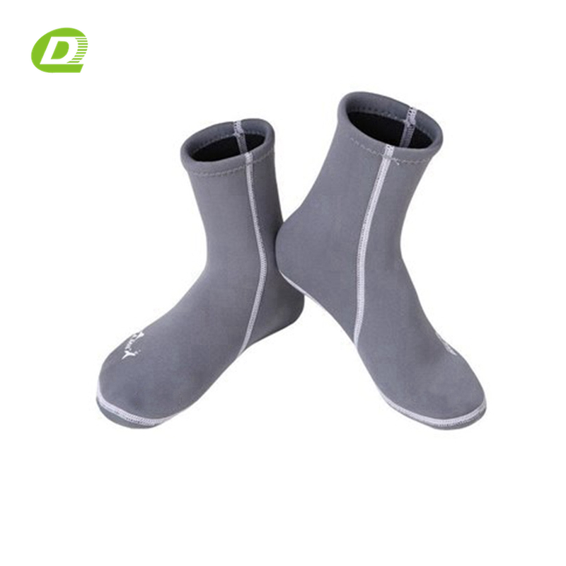 DQ-B045 latex swim surf sock neoprene surfing socks