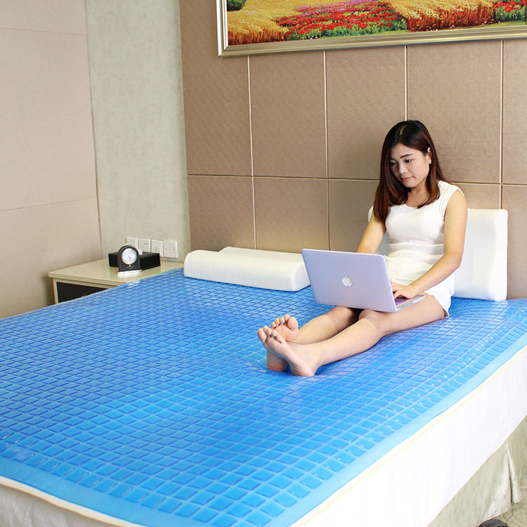 Amazon Good Selling Luxury Memory Foam PU Bed Protector Cool Gel Mattress