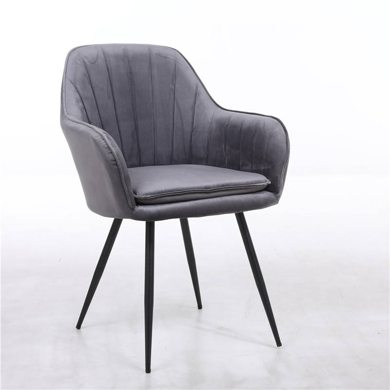 Factory Low Price Modern Leisure Furniture Armrest Velvet Dining/Living Room Chair with Black Legs