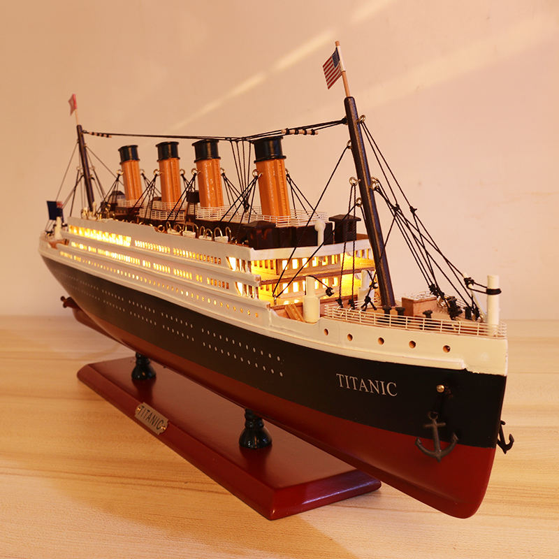 24'' RMS Titanic wooden cruise ship model with Led lights nautical home decoration men's gift living room nautical decoration