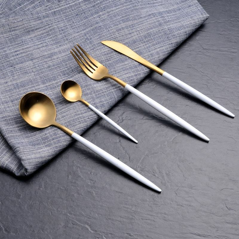 D038 Gold and White Western Flatware Set 304 Food Grade Stainless Steel Restaurant Cutlery