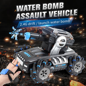 Double mode controller Water bullet tank 360 degree rotation chariot R/C battle gesture or remote control stunt tank toys