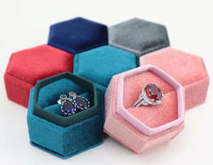 Cheap Custom Logo Luxury Design Gift Pink Jewelry Packaging Box Vintage Hexagon Velvet Fabric Wedding Ring Pendant Box Wholesale