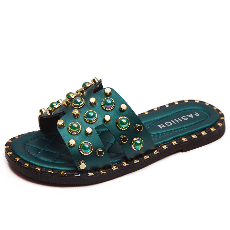 The factory sells the new summer fashion green pearl water diamond slippers for little girls